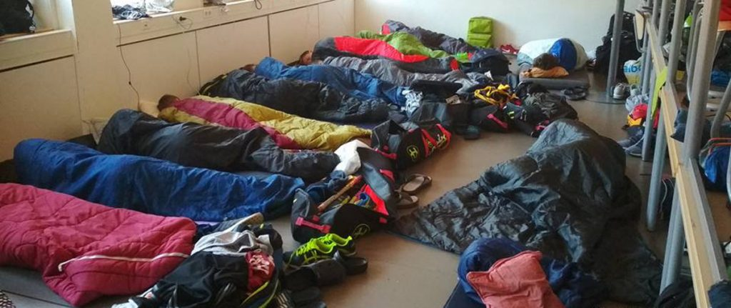 spaní ve spacácích na turnaji